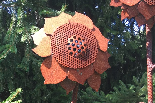 Sunflower sculpture by Laura Lavan